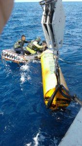 Bakamla RI melaksanakan pembersihan dan pengangkatan rumpon di Laut Sulawesi.