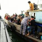 Koarmabar Amankan 60 Orang TKI Illegal dari Malaysia