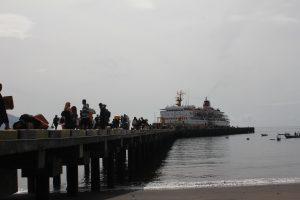 Uji coba penyandaran kapal dermaga Ende-LPPI.