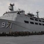 KRI Tanjung Kambani 971 Dukung Operasi Pamtas RI – Papua Nugini