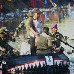 Bakti Kepada Masyarakat, Korps Marinir Bersihkan Kanal Ujung Tanah Makassar