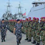 Pangarmabar Pimpin Latihan Siaga Tempur Laut dari KRI Sultan Hasanuddin-366