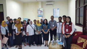 Foto bersama penggurus Akumandiri Ambon dan Bank Arthagraha.