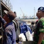 Dansatfib Koarmabar Meninjau Pelaksanaan Perbaikan Hardepo KRI Teluk Cirebon-543
