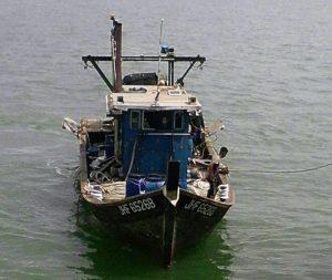KIA berbendera Malaysia JHF 6526B yang ditangkap KRI Torani-860 yang sedang melakukan penangkapan ikan tanpa dilengkapi dokumen yang sah (ilegal fishing) di perairan Indonesia.