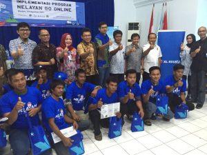 """Foto bersama peserta kegiatan yang bertajuk """"Implementasi Program Nelayan Go Online""""."""