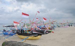 Lomba hias perahu tradisonal menyambut HUT TNI ke 72 di Lanal Denpasar.