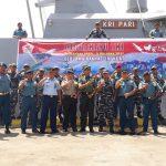 Peringati HUT TNI Ke-72, KRI Pari-849 Ajak Masyarakat Berlayar di Perairan Tanjung Benoa Bali