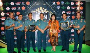 Foto bersama KASAL Laksamana TNI Ade Supandi bersama perwira TNI AL lainnya yang menghadiri acara Festival Film Nusantara.