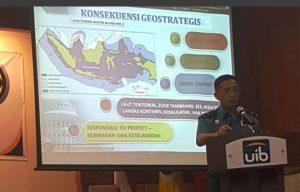 Guskamlaarmabar Laksamana Pertama` TNI Bambang Irwanto, M.Tr.Han memberikan kuliah umum kepada sejumlah mahasiswa program S-1 dan S-2 fakultas Hukum Universitas Internasional Batam (UIB) di gedung Auditorium B kampus UIB Baloi, Sei Ladi, Batam-Kepri.