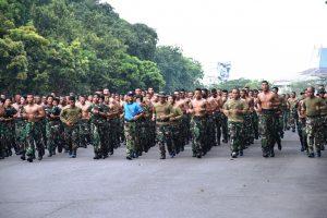 Wagub AAL lari siang bersama prajurit.