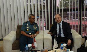Kapushidrosal Laksamana Muda TNI Harjo Susmoro saat menerima kunjungan delegasi Jepang.