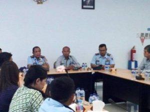 Ketua Harian NASPCI, Kol. Pnb. Hariyanto Afif (depan kiri) saat berbicara dalam sebuah forum.