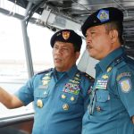 Jelang Sertijab Pangarmatim, Laksda TNI Darwanto Gelar Admiral Inspection Bersama Laksma TNI Didik Setiyono