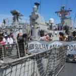 Sandar di Filipina, Warga Lokal Antusias Kunjungi KRI Sultan Iskandar Muda-367