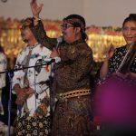 Bersama Nelayan Rembang, Menteri Susi Nontong Wayang dengan Lakon 'Pandawa Layar'