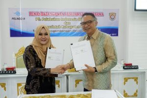 Penandatanganan perjanjian kerja sama antara Bupati Kendal dengan CEO Pelindo III.