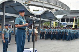 Panglima Kolinlamil Laksda TNI Yudo Margono, S.E. saat menyampaikan amanat Panglima TNI pada Upacara Bendera 17-an yang berlangsung di Lapangan M. Silam, Mako Kolinlamil Tanjung Priok, Jakarta Utara.
