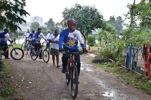 Panglima Kolinlamil Laksda TNI Yudo Margono, S.E. saat meninjau Danau Sunter 2 yang menjadi tempat latihan Tim Dayung Kolinlamil.