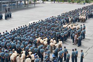 Pangkolinlamil Laksamana Muda TNI Yudo Margono, S.E. saat memberikan pengarahan kepada jajaran Kolinlamil di Lapangan M.Silam, Mako Kolinlamil, Tanjung Priok, Jakarta Utara.
