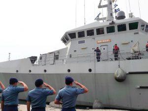 Dansatsurvei Kolonel Laut (P) Nunung Suhartono saat melepas keberangkatan KRI Rigel-933 di dermaga Jakarta International Container Terminal (JICT) 2, Tanjung Priok, Jakarta Utara.