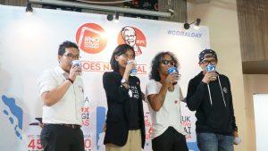 Hendra Yuniarto, Swietenia Puspa Lestari, Kaka, dan Ridho Slank saat pencanangan gerakan #Nostrawmovement di KFC Kemang, Selasa (8/5).