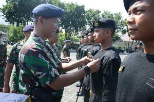Dankodikopsla melantik 30 oran prajurit baru sebagai pengawak kapal selam milik TNI AL.