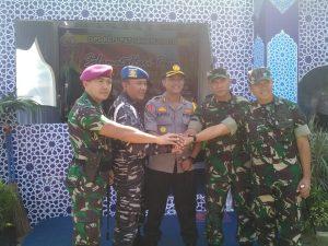 Sinergi antara TNI -Polri di Pelabuhan Tanjung Perak Surabaya.