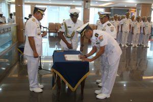 Pangarmda II tatkala memimpin serah terima jabatan Asisten Potensi Maritim  Pangarmada II di Lounge Majapahit Koarmada II Ujung, Surabaya, Jum'at (22/08).