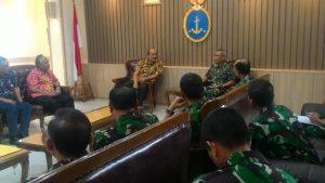 Kapushidrosal Laksda TNI Dr. Ir. Harjo Susmoro, S.Sos., S.H., M.H. saat menerima pejabat Pertamina di Mako Pushidrosal.
