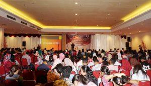 Suasana Seminar Nasional Keperawatan di Ambon (25/6).