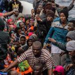 Libya Amankan 165 Migran Setelah Bertahan 60 Jam di Perahu Karet
