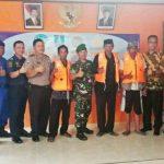 UPP Bojonegara Serahkan 80 Life Jacket kepada Masyarakat Pesisir