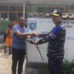 KRI Dr. Soeharso (SHS)-990 Lego Jangkar di Sumbawa, Dansatgas Bhaskara Jaya Tinjau Langsung Bhakti Sosial
