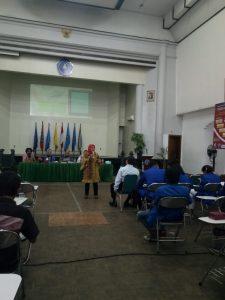 Pakar Hukum Maritim USNI Dr. Fitra Deni, M.Si. saat berbicara dalam Talkshow Hukum Maritim USNI.