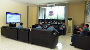 Suasana diskusi antara Guru Besar FIB UI dengan Kapusjianmar dan beberapa DOsen Tetap Seskoal di Lounge Pusjianjar Seskoal.