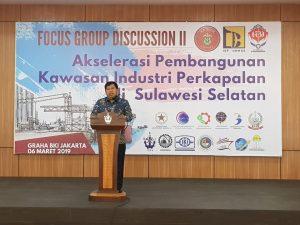 """Direktur PT. BKI Rudiyanto saat memberikan sambutan dalam FGD yang mengangkat tema """"Akselerasi Industri Perkapalan di Sulawesi Selatan""""."""