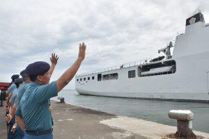 Pangkolinlamil melepas keberangkatan KRI Banda Aceh-593 ke Langkawi.