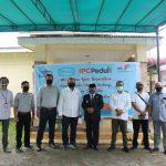 IPC dan Pemkab Mempawah Bagi-Bagi 2.600 Paket Sembako dan 5.200 Masker