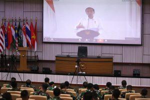 Presiden Joko Widodo membekali peserta PKB Kejuangan Tahun 2020.