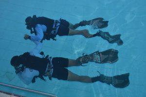 Personel Satkopaska Koarmada II tengah melaksanakan Latihan Peperangan Laut Khusus.