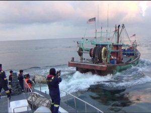KKP mengamankan pelaku illegal fishing di Selat Malaka.