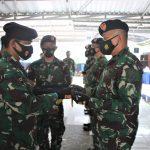 Dansatkat Koarmada II Pimpin Serah Terima Jabatan Dua Komandan KRI