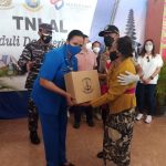Bantu Masyarakat Terdampak Covid-19, Lanal Denpasar Gelar Baksos