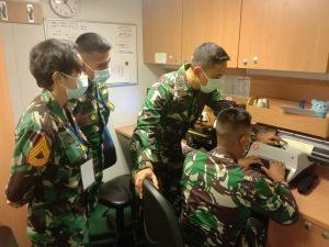 12 Taruna Akademi Angkatan Laut (AAL) Tingkat IV Angkatan ke-66 Korps Suplai yang tengah menjalani Latihan Praktek (Lattek) Magang di KRI jajaran Komando Armada Il.