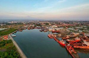 Penampakan Pelabuhan Cirebon dari udara. (sumber: instagram @cirebonindo)
